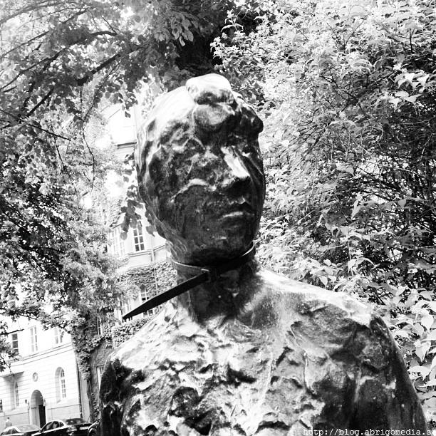 Statute on Karlavagen in Stockholm by Paul Philip Abrigo